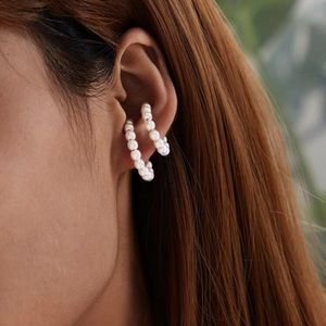 3/$35 🎉JUST IN! 2 Pairs Pearl Ear Cuffs